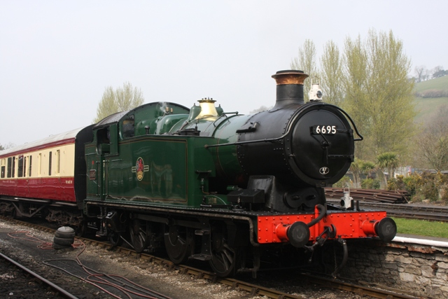 GWR 0-6-2 6695 visiting the SDR 2009Apr03